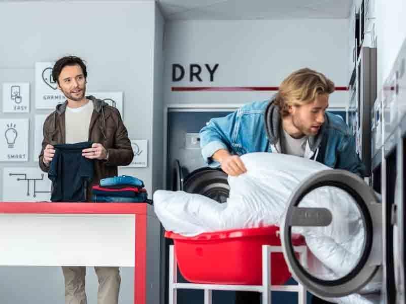 La ubicación o la gestión remota del negocio son factores clave para abrir una lavandería autoservicio