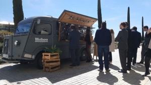 El Kiosko instala sus foodtrucks en tres grandes entidades bancarias