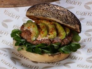 La Pepita Burger Bar estrena el curso con nueva carta