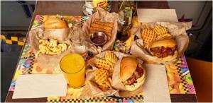 Taxi-Angus, la exitosa hamburguesería malagueña, afianza su expansión en franquicia