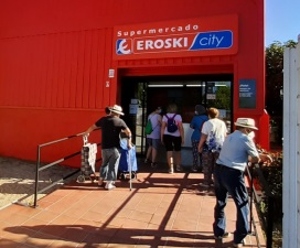 Eroski inaugura un nuevo supermercado franquiciado en la localidad madrileña de Navas del Rey